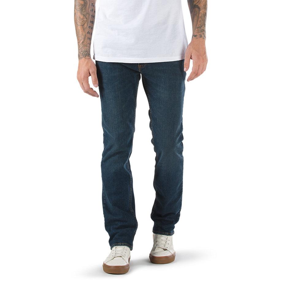 Джинсы V16 SlimДжинсы<br>V16 Slim Jean 2 Year Indigo - это джинсы из плотной ткани цвета индиго. Уникальный материал&amp;nbsp;&amp;nbsp;был создан специально для скейтбордистов для комфорта и длительной носки. Прекрасно держат форму и не растягиваются. Яркий оттенок и эффект потёртости, 5 карманов, молния и нашивка из натуральной кожи на поясе. Покрой slim fit и легкое сужение от колена к низу. Рост модели 183 см. Размер 32x32. Состав: 98% хлопок, 2% эластан, плотность 11.25 oz.<br><br>Цвет: Синий<br>Размер INCH: 29/30<br>Материал: 98% хлопок 2% лайкра<br>Пол: Men