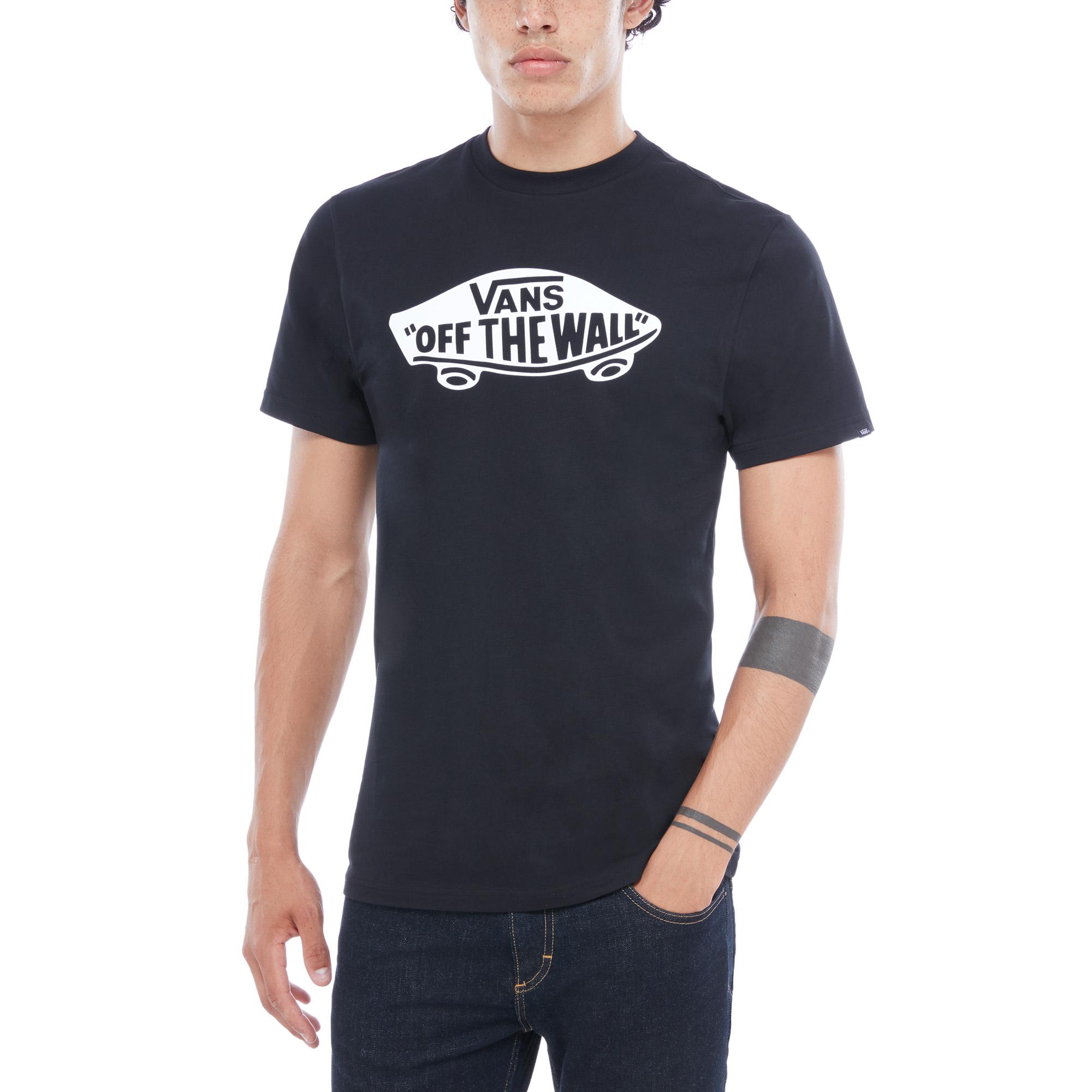Футболка OTWФутболки<br>Vans OTW T-Shirt - футболка из 100% хлопка с логотипом Off The Wall на груди. Посадка: классическая. Рост модели 183 см. Размер М.<br><br>Цвет: Черный/Белый<br>Размер INT: XL<br>Материал: 100% Хлопок<br>Пол: Men
