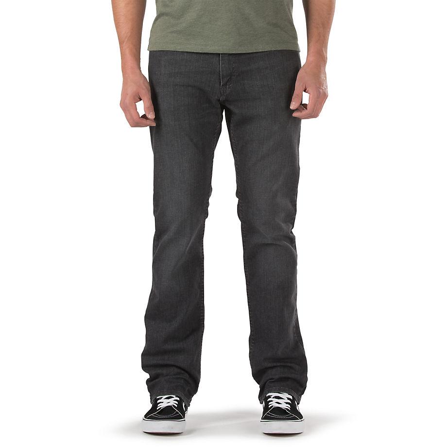 Джинсы V56 StandartДжинсы<br>V56 Standart Jean Worn Black - это чёрные джинсы из уникального материала, который был создан специально для скейтбордистов для комфорта и длительной носки. Прекрасно держат форму и не растягиваются. У модели V56 Standart средняя посадка, эффект лёгкой потёртости, 5 карманов, молния и нашивка из натуральной кожи на поясе. Средняя ширина штанин. Рост модели 183 см. Размер 32x32. Состав: 93% хлопок, 6% полиэстер, 1% эластин, плотность 10.25 oz.<br><br>Цвет: Черный<br>Размер INCH: 29/30<br>Материал: 93% хлопок 6% полиэстер 1% спандекс<br>Пол: Men