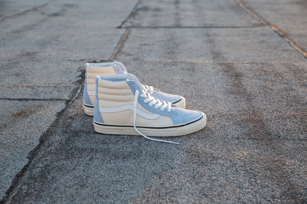 SP17_Classics_VN0A238GFNA5_Sk8-Hi38DX-AnaheimFactory-LightBlue-White_Elevated.jpg